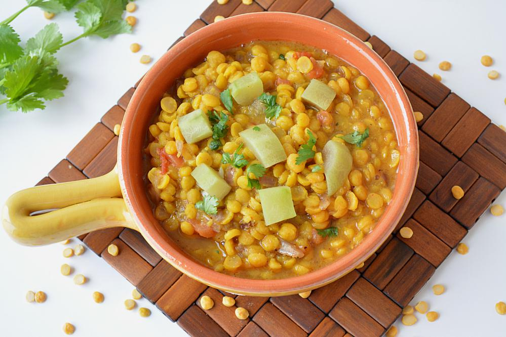 Chana dal with lauki in a bowl
