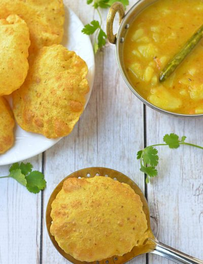How to Make Round Puris - Ruchiskitchen