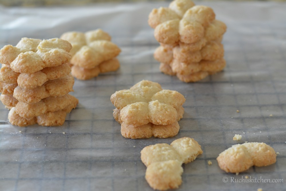 Baked coconut cookies