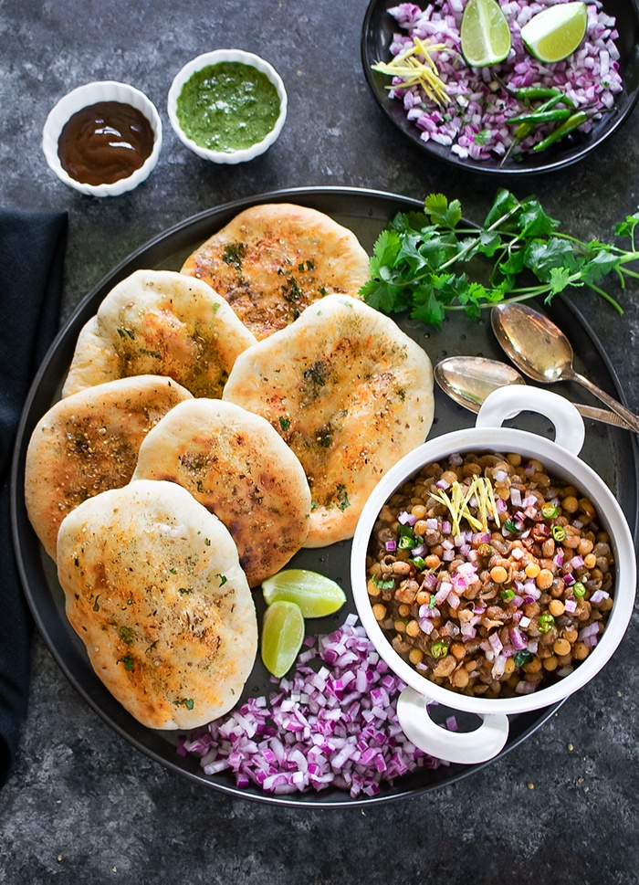Wheat kulchas with matar