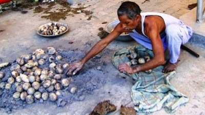 baati cooked in kande