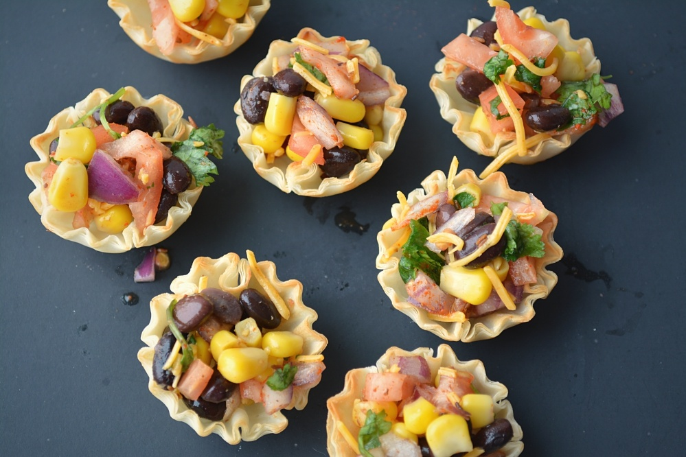 Phyllo mexican bowls fill