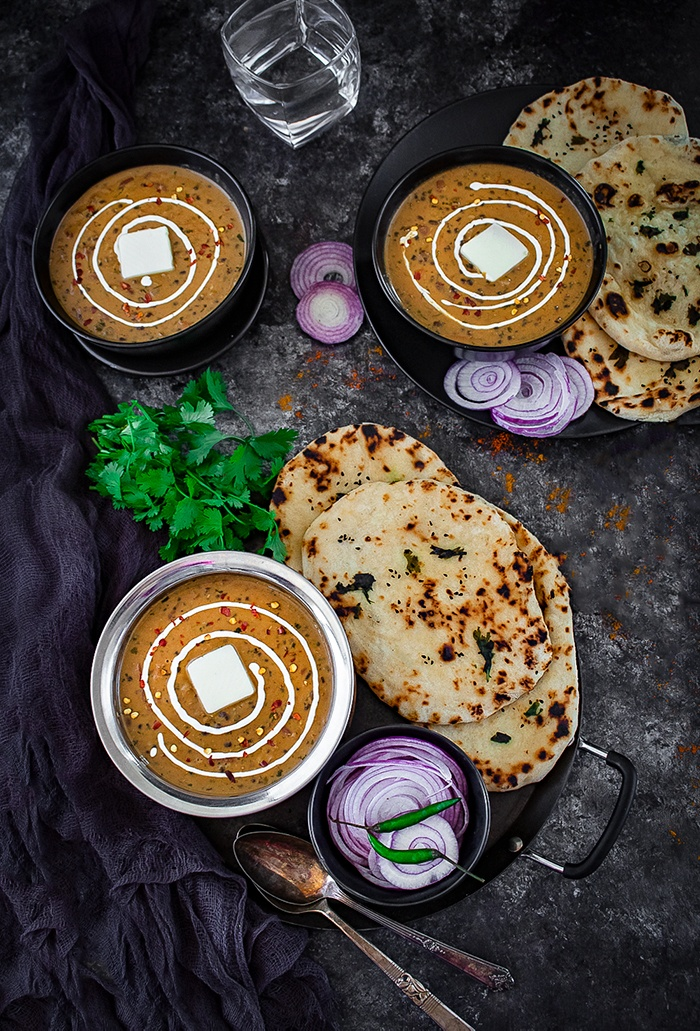 Dal Makhani bowl with naan