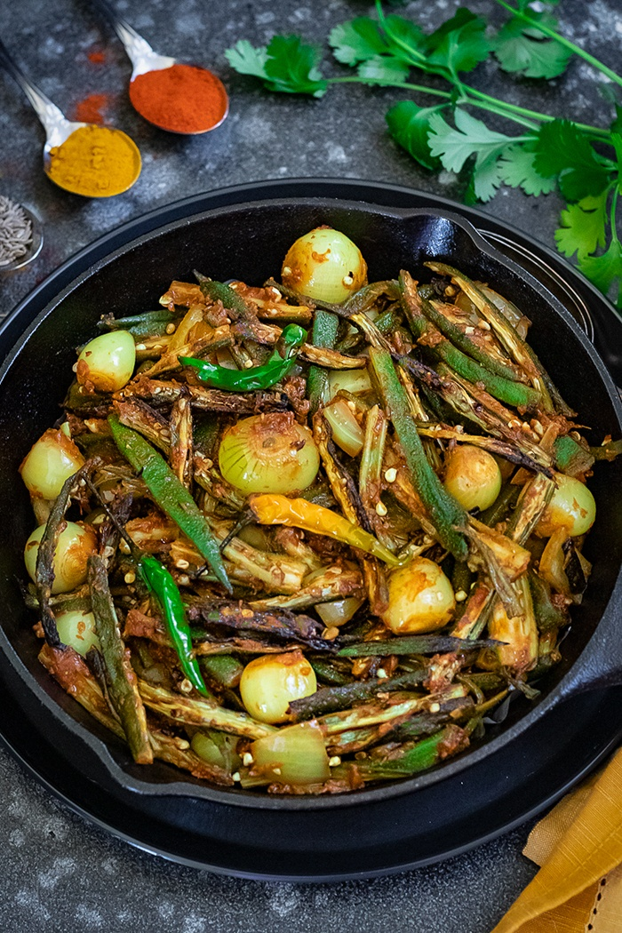 Bhindi do pyaza with green chilies