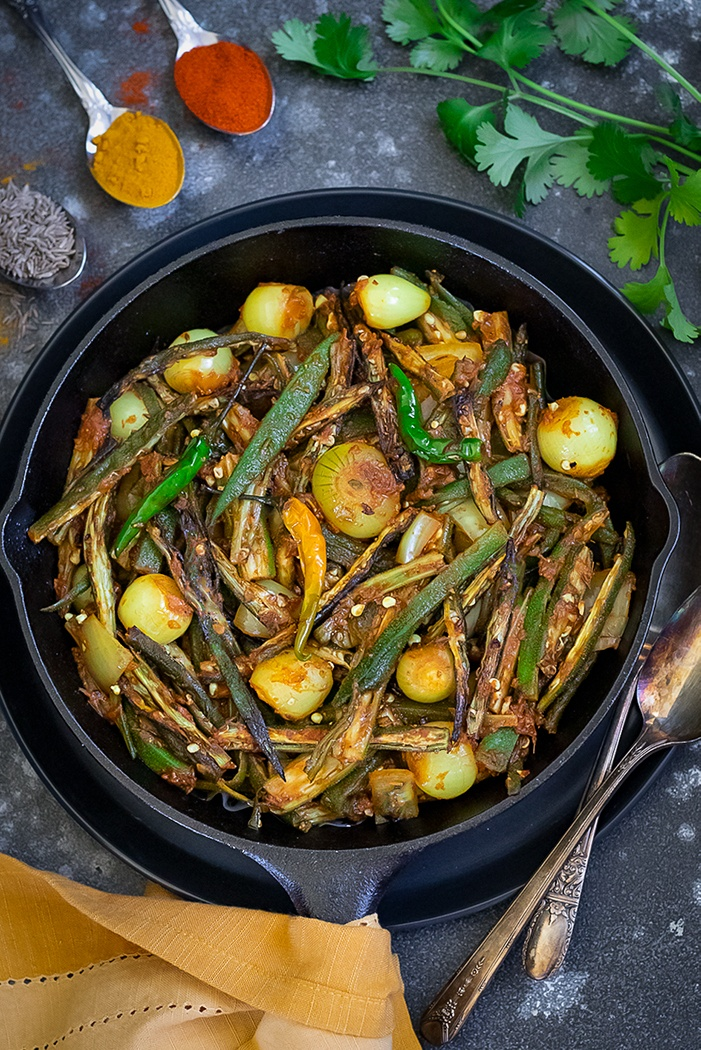 Bhindi do pyaza with cilantro and spices