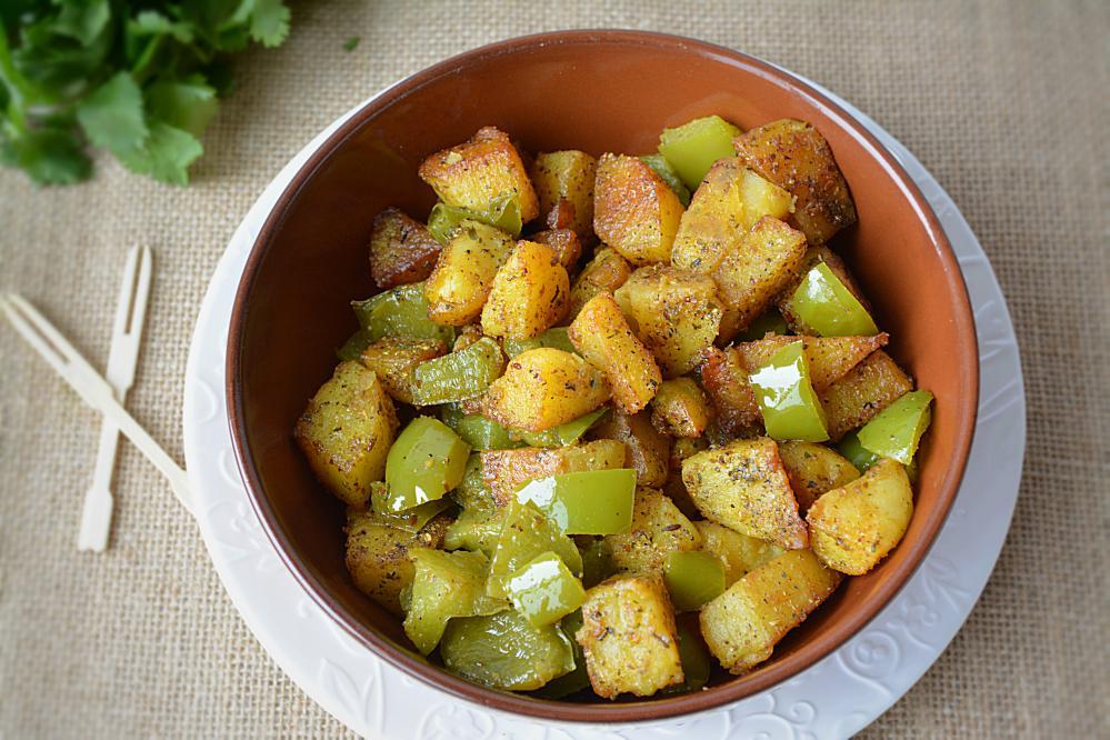 Alu Capsicum - no onion on garlic recipe
