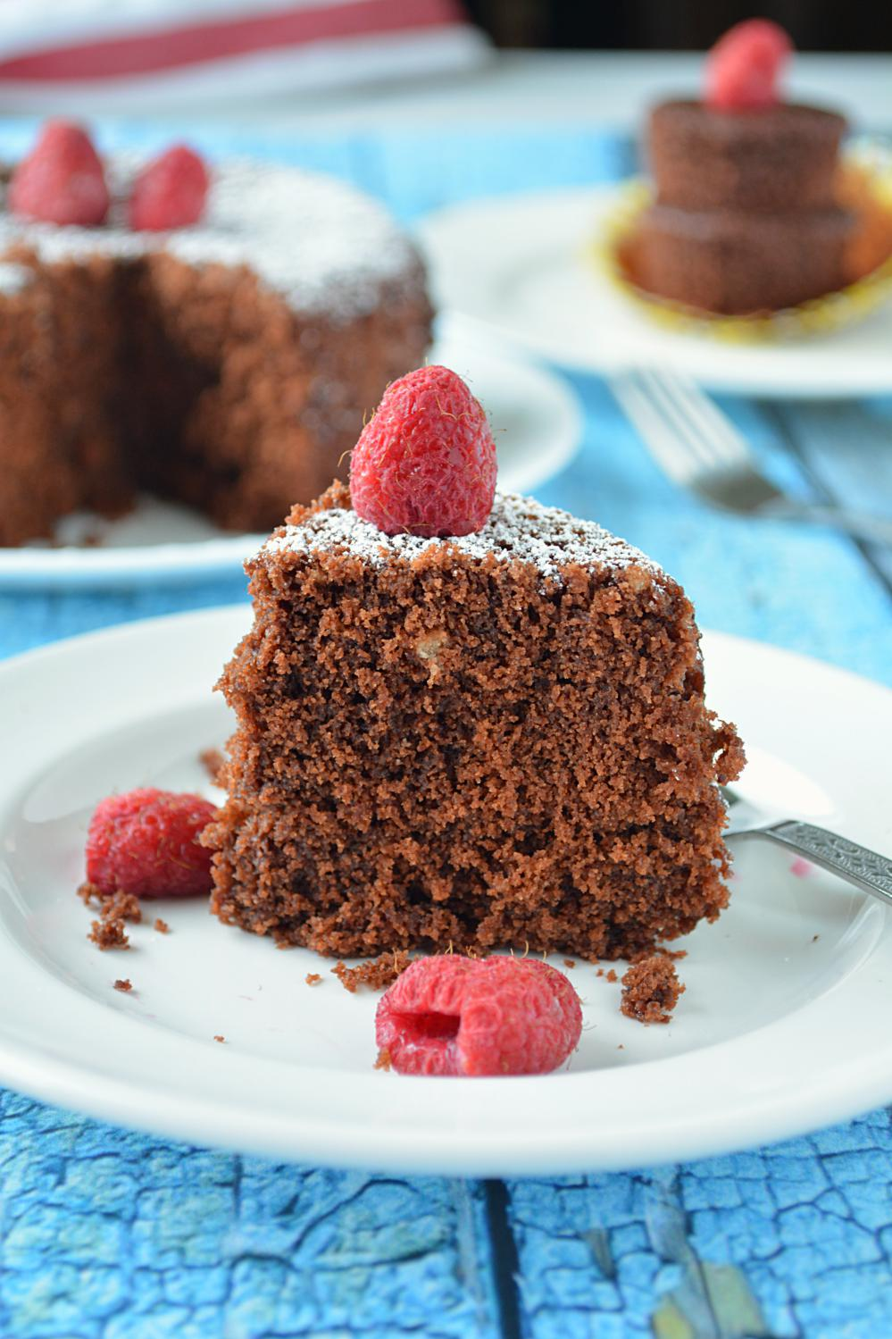 Minute Eggless Chocolate Cake