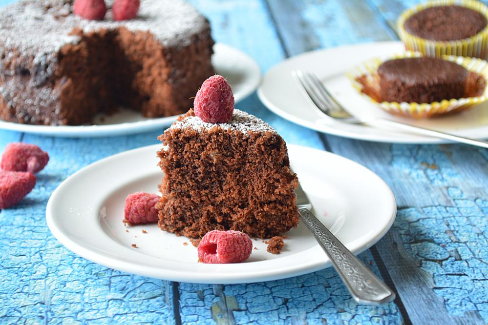 7 minute Eggless Chocolate Cake