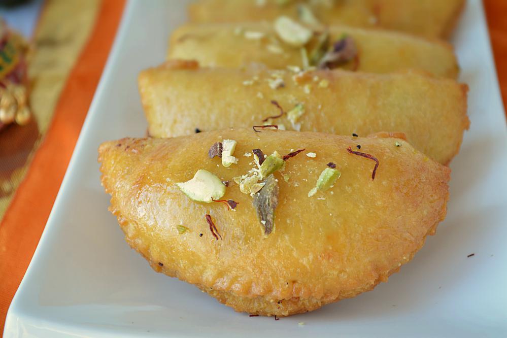 Indian Traditional Festival Holi Sweet Gujiya Dumpling Mould Set 3 PC