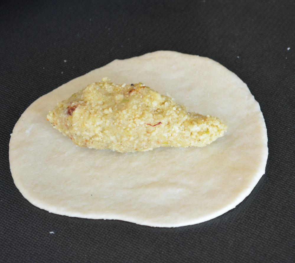 Gujiya recipe step by step recipe on how to make gujiya at home fold forumfinder Choice Image