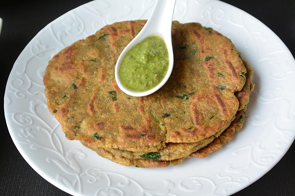 Kuttu and Singhare ke atte ki Roti
