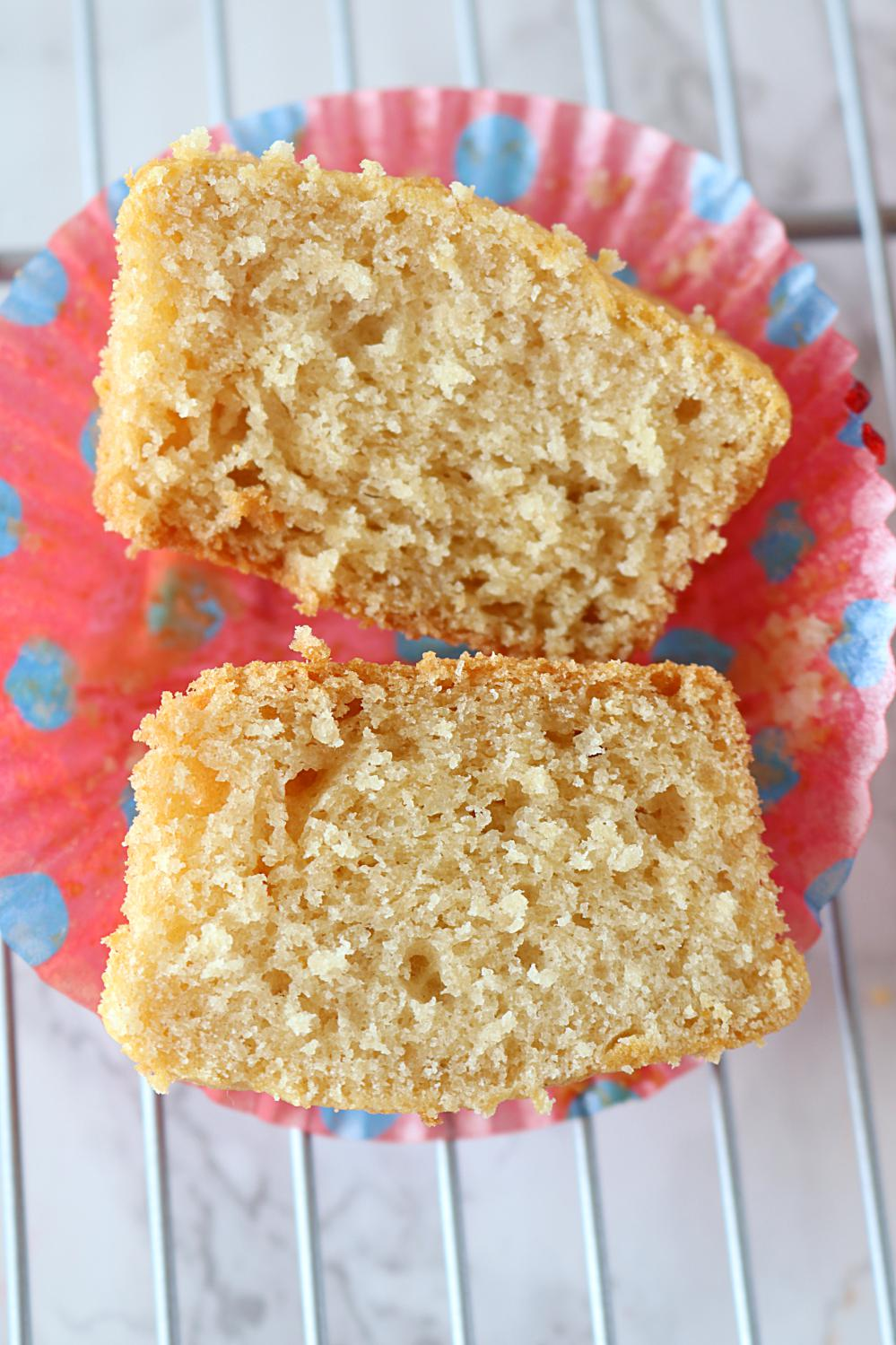 Tested and tried Eggless Vanilla Cupcakes
