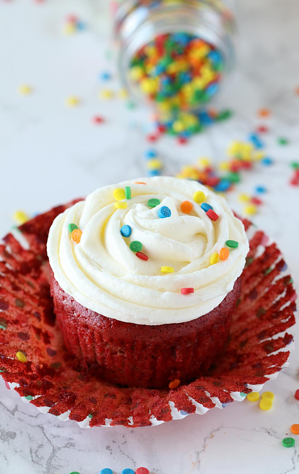 light and fluffy red velvet cupcakes
