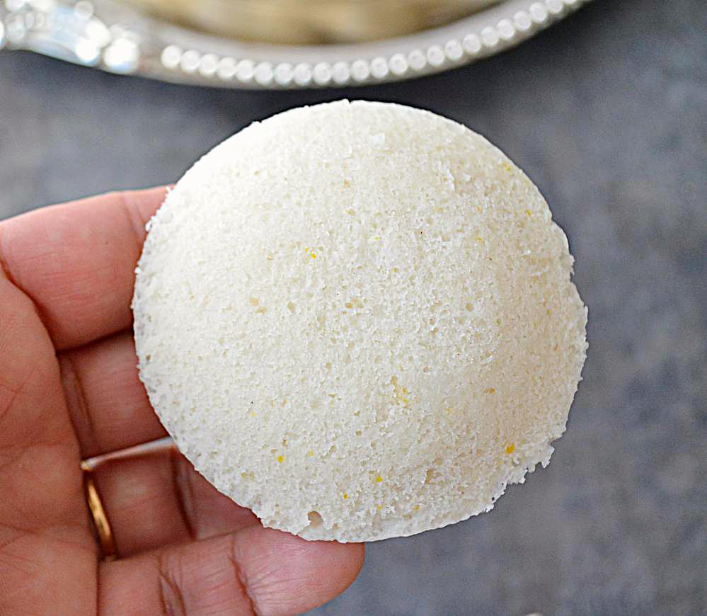 Instant Rice Idlis with step by step pictures