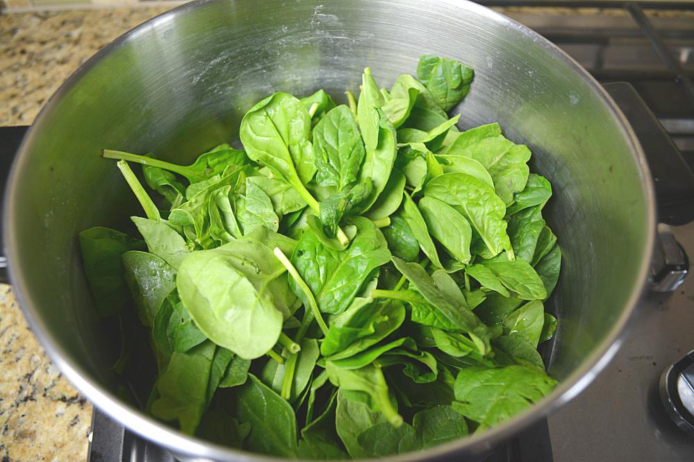 how to clean palak leaves