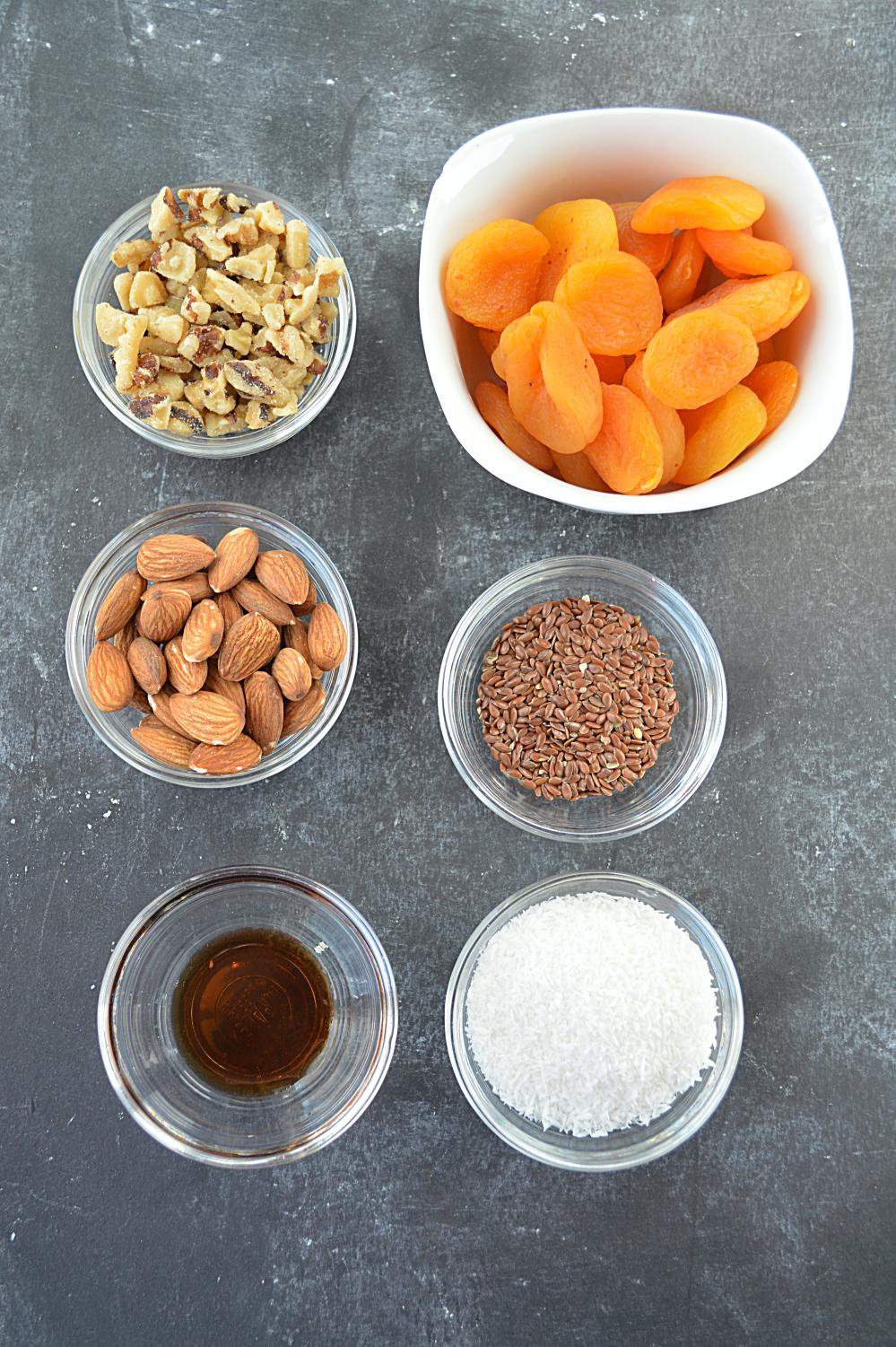 How to Dry Apricots photo