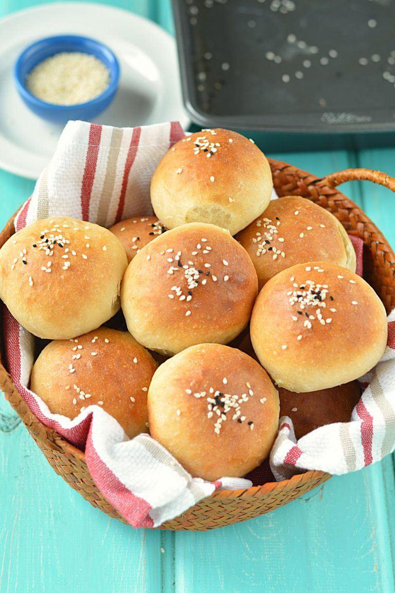 Homemade Mini Burger Buns - Ruchiskitchen