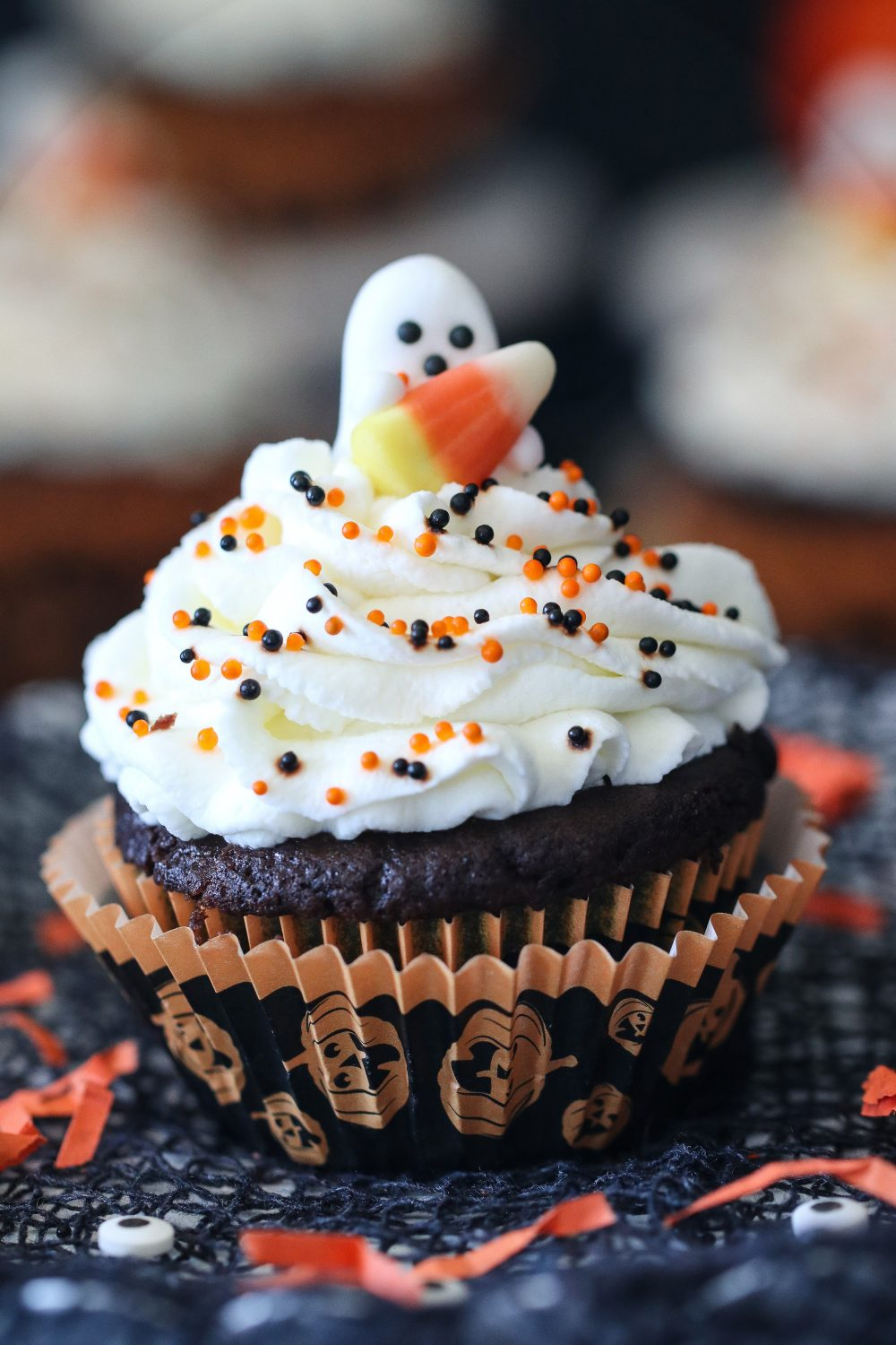 Eggless Chocolate Halloween Cupcakes