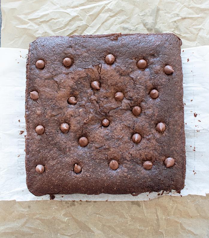 Bake the aquafaba brownie