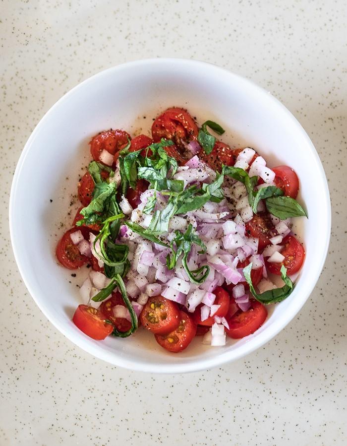 Prepare tomato mix