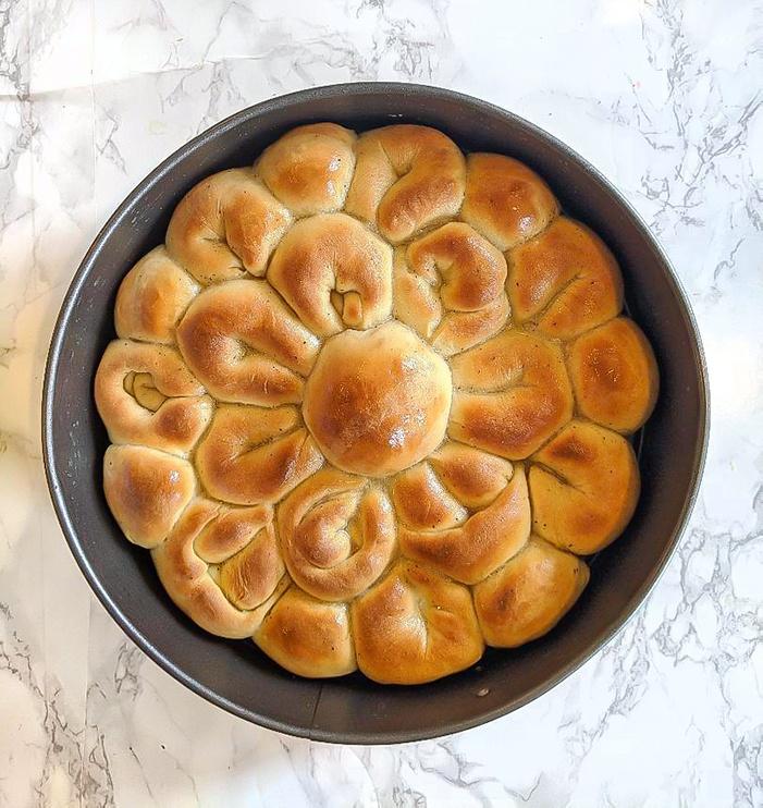 Baked pull-apart flower bread