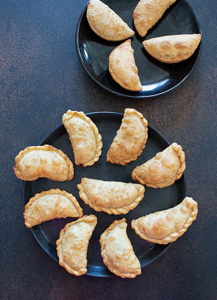 Fried Gujiyas