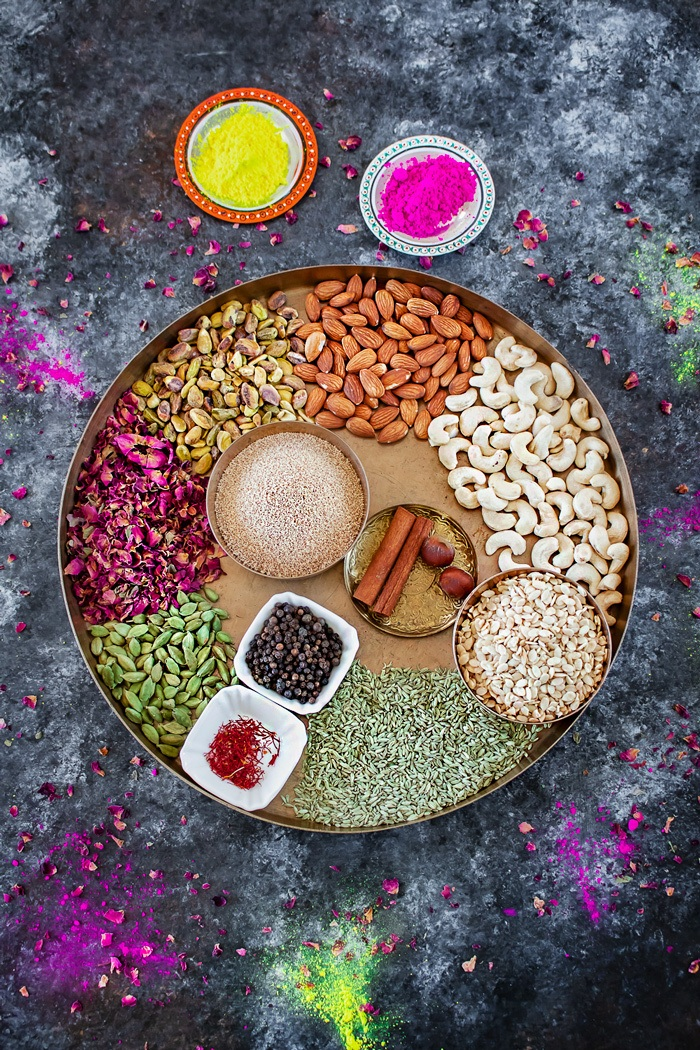 Thandai Masala with Holi colors