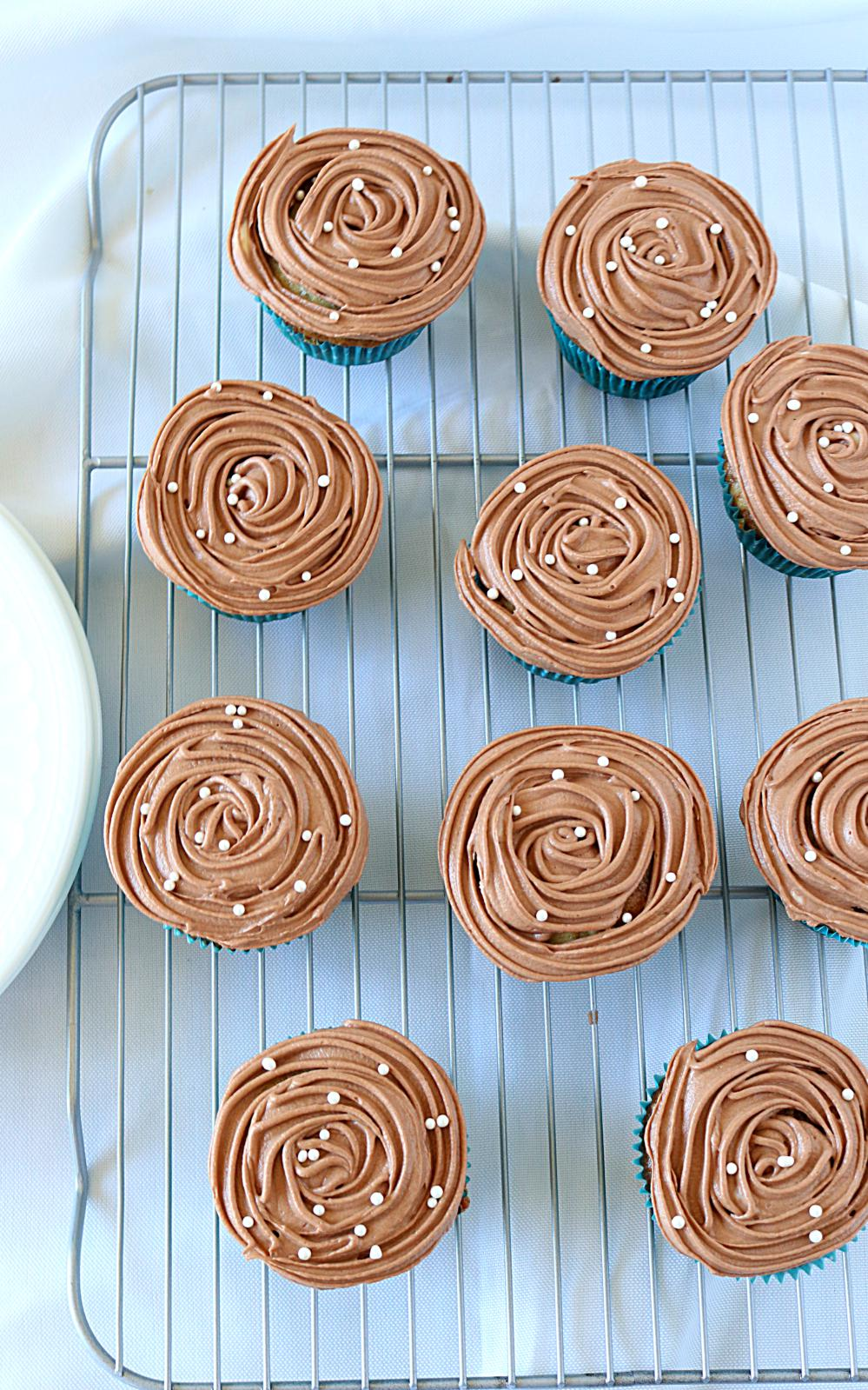 how to make eggless cupcakes in cooker