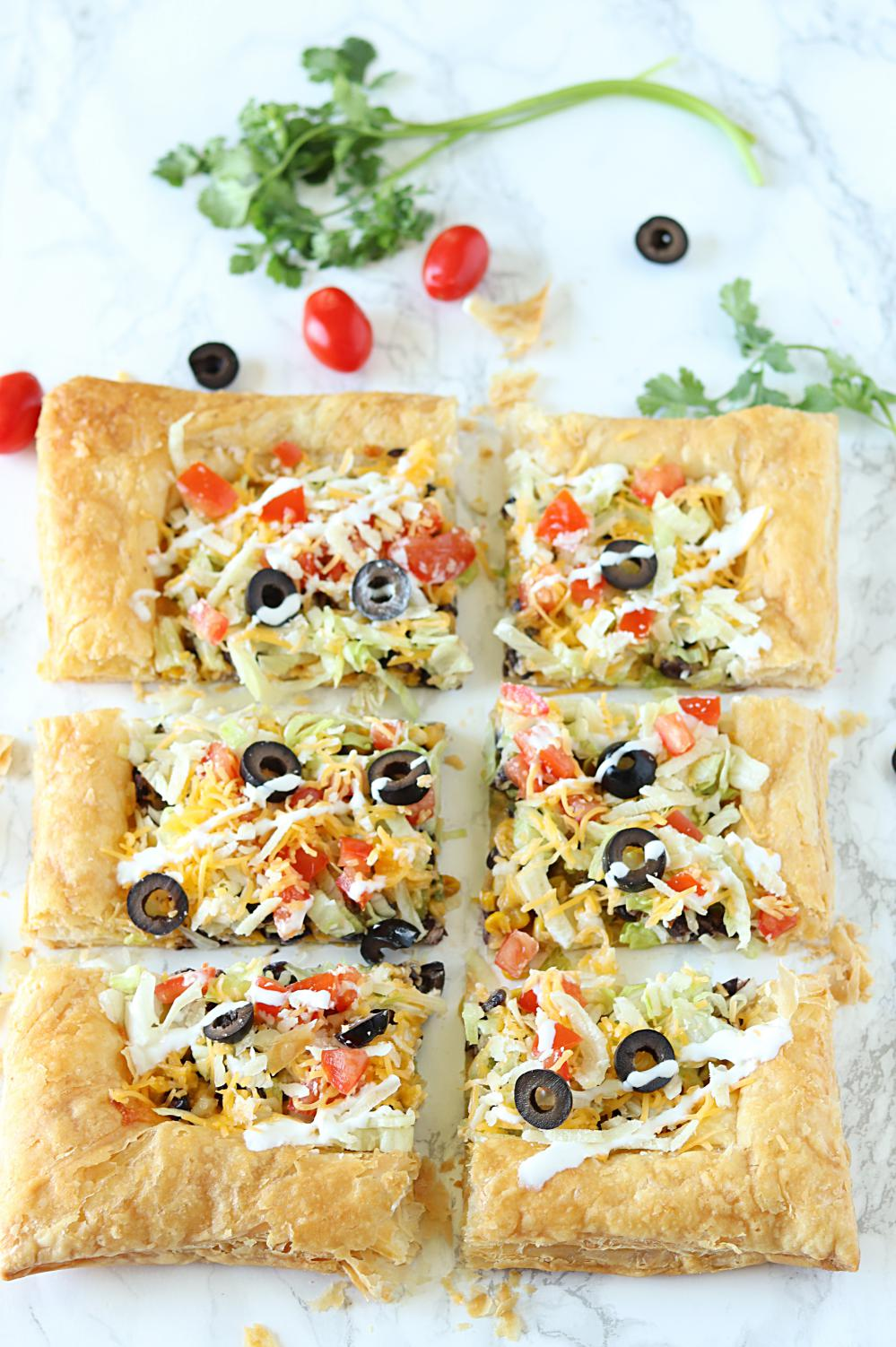 Crispy and flaky Easy Puff Pastry Taco Pizza