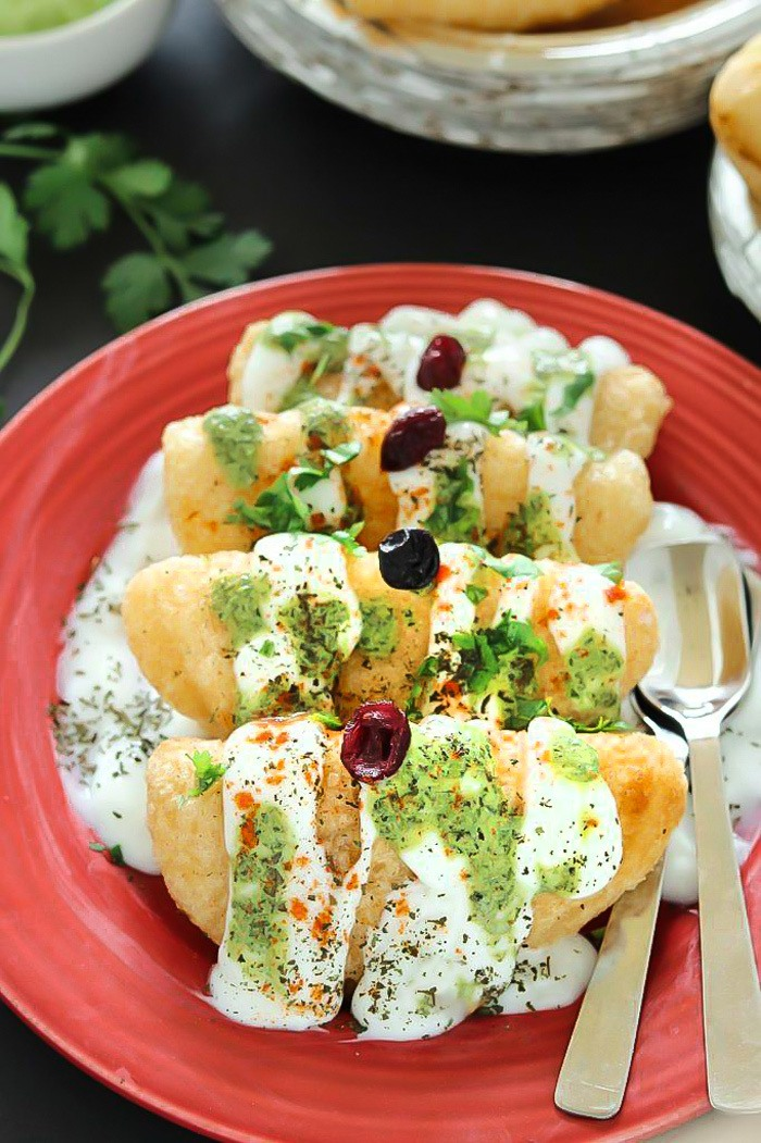 Vrat ki Dahi Gujiya with chutney and cilantro