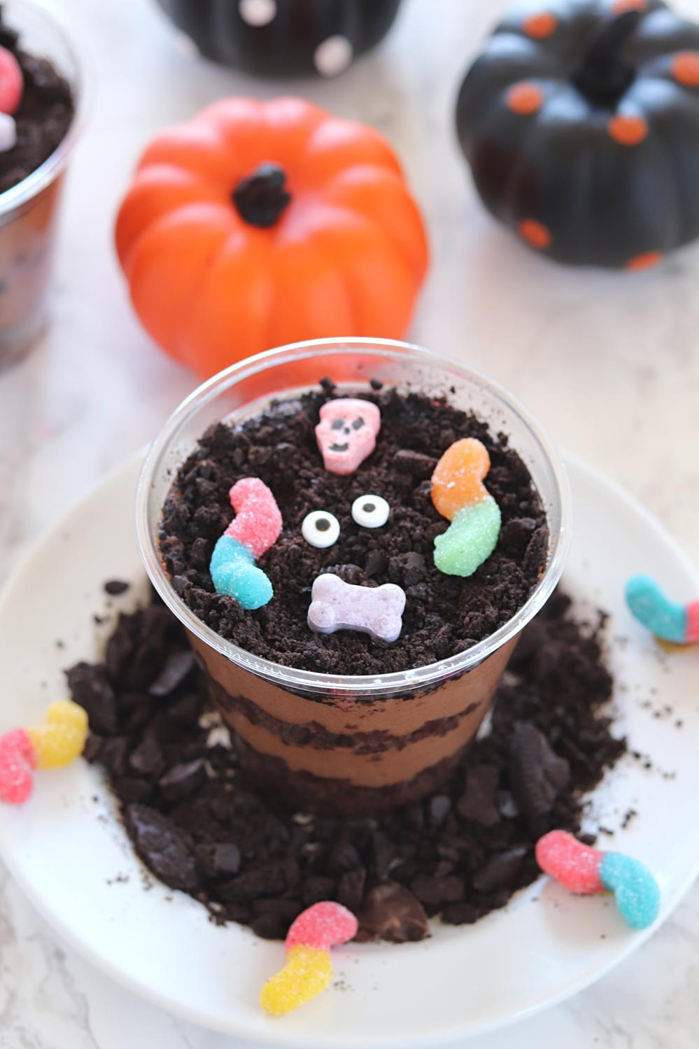 Worms and Brownie dirt Cups