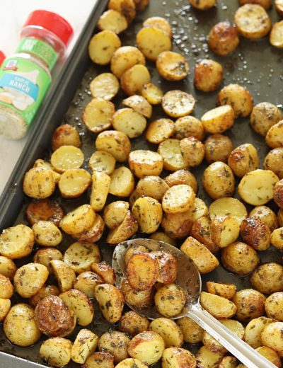 3 Ingredient Crispy Oven baked Garlic Ranch Potatoes