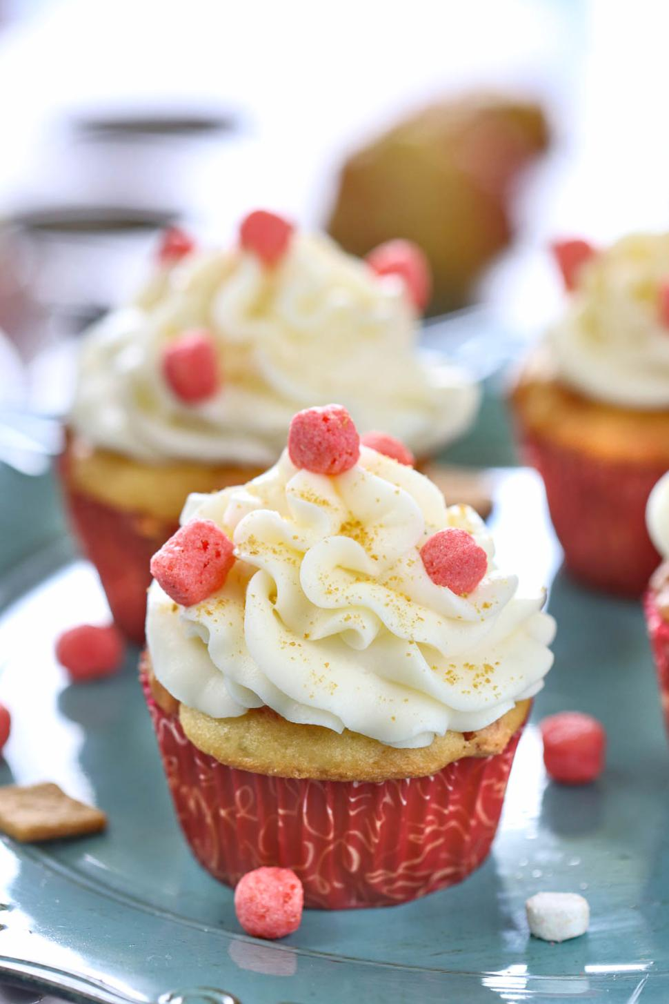 Eggless Strawberry Cupcakes - Ruchiskitchen
