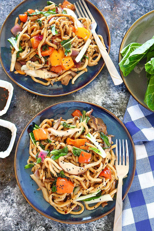Stir Fry Vegan Udon Noodles - Ruchiskitchen