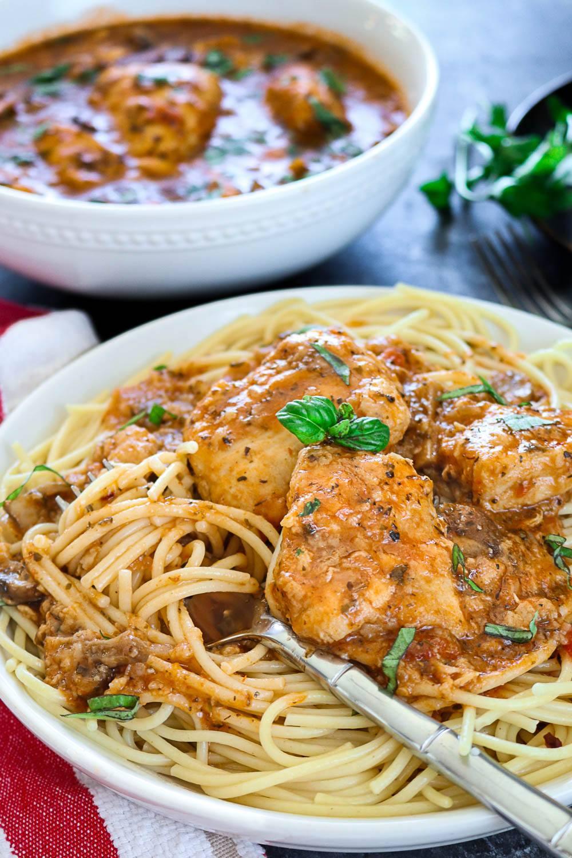 Instant Pot Chicken Cacciatore - Ruchiskitchen
