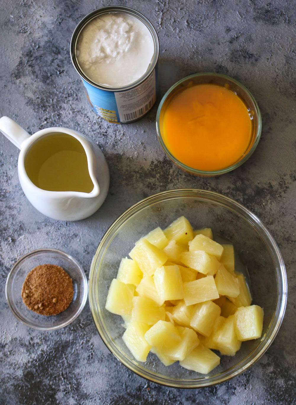 Ingredients required to make this Pineapple Mango Piña Colada
