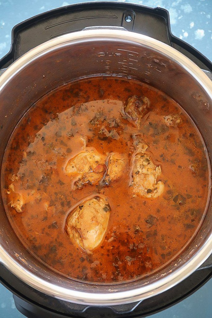 Quick and Easy Pressure Cooker Chicken Curry