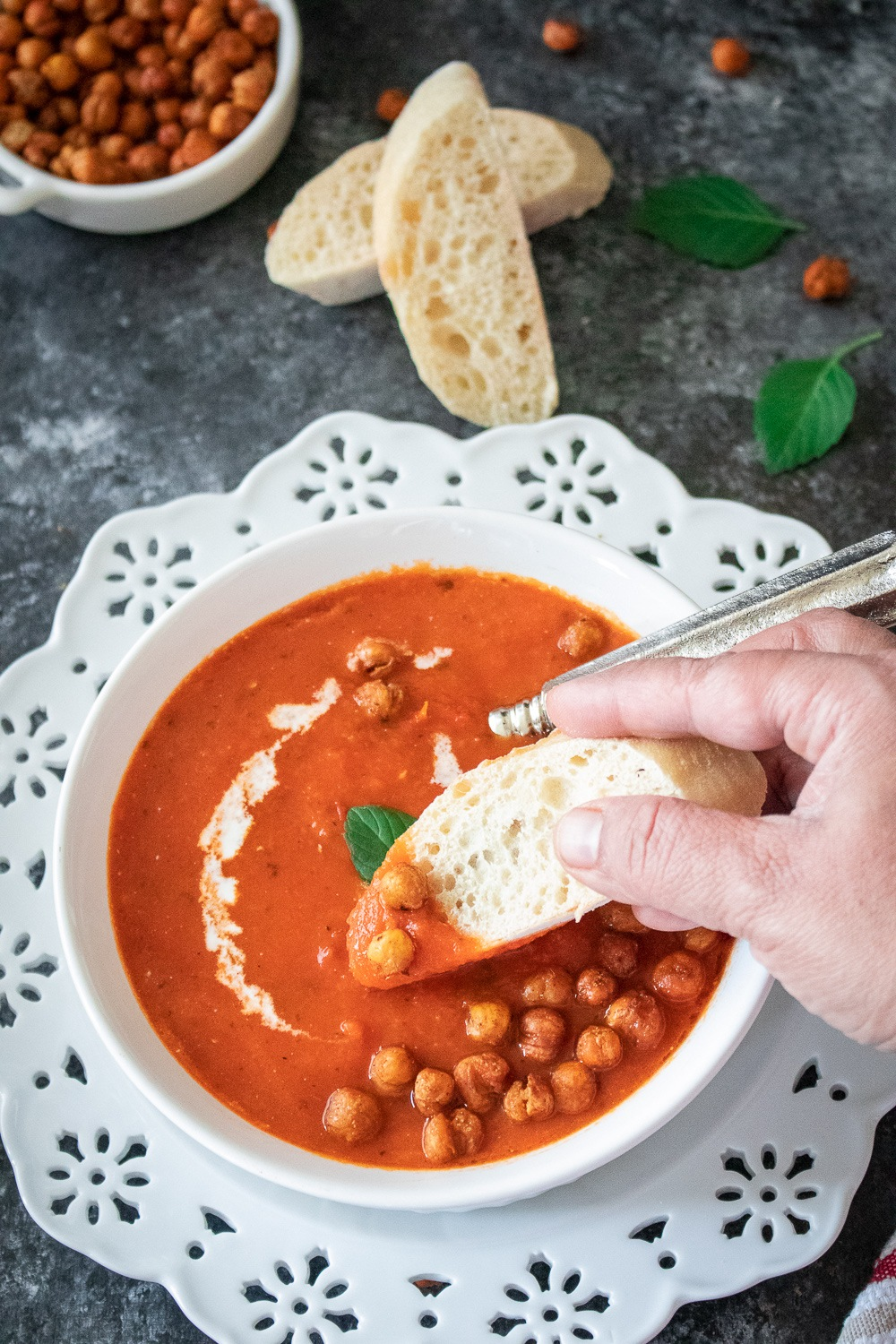 Eat bisque with a bread of your choice