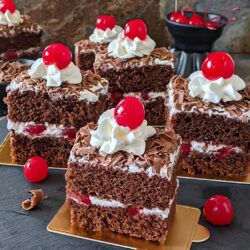 Eggless Black Forest Pastry